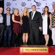 John Goodman, sa femme Anna Beth et leur fille Molly ainsi que sa famille, lors de son hommage au Chinese Theater à Los Angeles le 14 novembre 2013