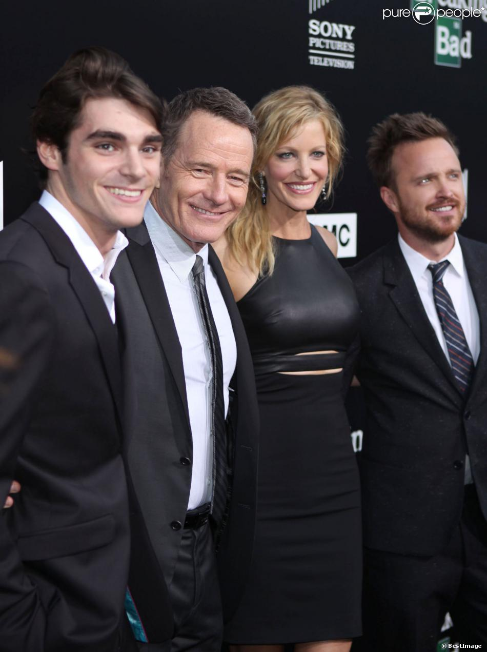 cranston dating Breaking bad's bryan cranston reveals he attends couples therapy with wife robin  bryan cranston takes  for fun family shoot as he speaks out on double dating.
