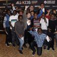 Pierre Ménès et Daniel Narcissele 20 novembre 2013 à Paris au dîner de gala en soutien à All4kids et Sports Sans Frontières au Shangri-La Hotel.
