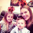 Alessandra Ambrosio a célébré Thanksgiving avec ses enfants Anja et Noah, le 28 novembre 2013.