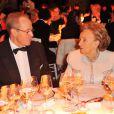 Renaud Donnedieu de Vabres et Bernadette Chirac  au gala de la Fondation Mimi le 30 novembre 2013.