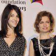 Zabou Breitman et Sarah Biasini  au gala de la Fondation Mimi le 30 novembre 2013.
