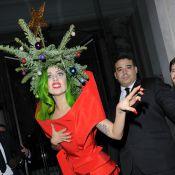Lady Gaga, un sapin sur la tête : Pas de doute, c'est bien Noël...