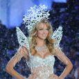 Lindsay Ellingson lors du défilé Victoria's Secret 2013 à New York. Le 13 novembre 2013.