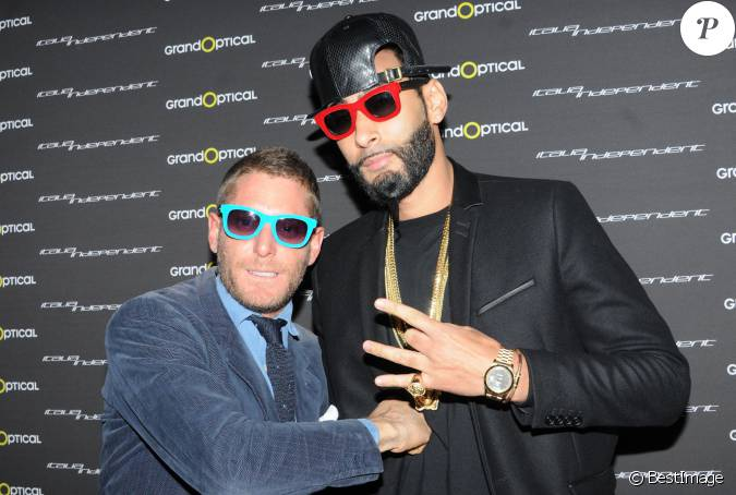 lapo elkann et la fouine lors du cocktail italia. Black Bedroom Furniture Sets. Home Design Ideas