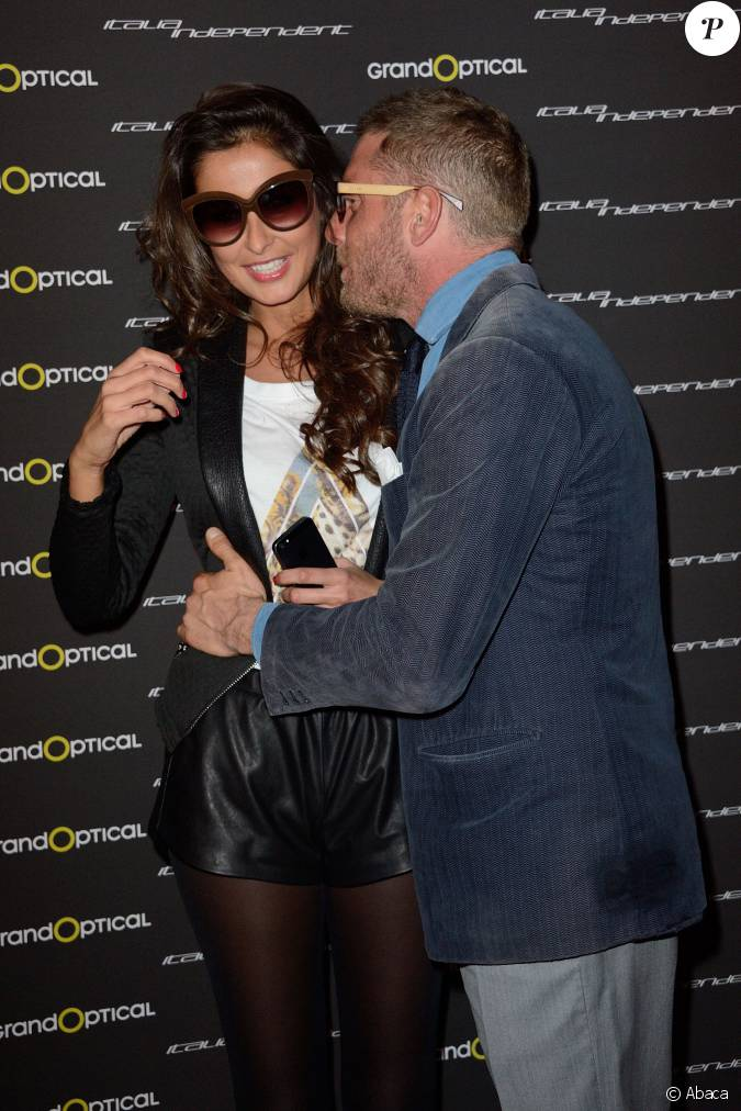 malika m nard et lapo elkann posent lors du cocktail. Black Bedroom Furniture Sets. Home Design Ideas