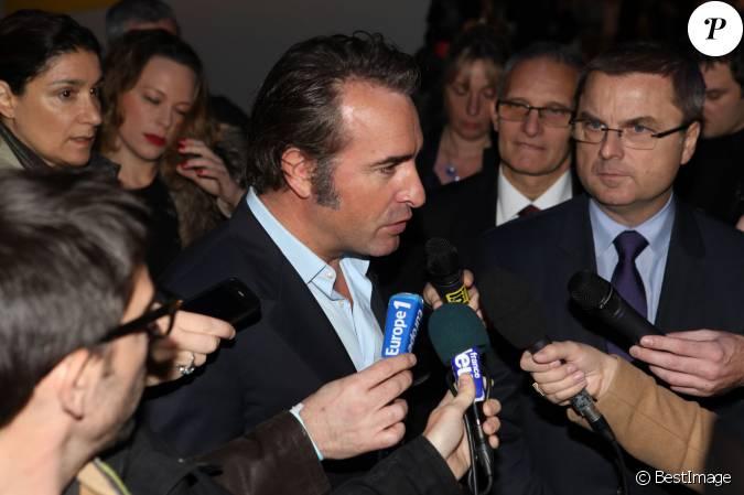 Jean dujardin lors de la remise du prix polar quai des for Jean dujardin couple 2014