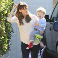 Jennifer Garner et ses enfants Seraphina et Smauel Affleck quittant la maison d'une amie à Brentwood à Los Angeles le 14 décembre 2013