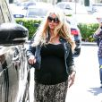 Jessica Simpson, enceinte, à Calabasas, Los Angeles, le 6 avril 2013.