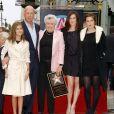 Bruce Willis, sa mère Marlene, et ses filles Tallulah, Rumer et Scout à Hollywood le 16 ocotbre 2006