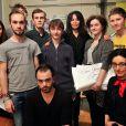Exclusif - Yamina Benguigui visite l'ecole de cinéma et d'audiovisuel de Tourcoing, le 19 décembre 2013, et pose avec les étudiants.