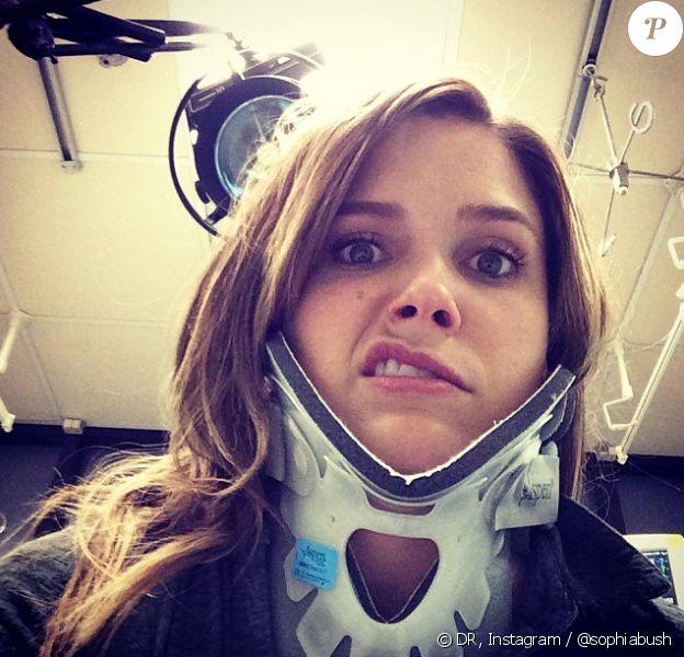 Sophia Bush, blessée sur le tournage de Chicago PD, poste une photo d'elle, minerve au cou.
