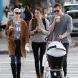 Jaime King et son mari Kyle Newman se promenaient avec leur bébé James dans West Hollywood le 30 décembre 2013