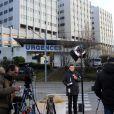Journalistes et fans de Michael Schumacher devant le CHU de Grenoble La Tronche le 30 décembre 2013