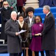 Chiara de Blasio, Dante de Blasio, Chirlane McCray, Bill de Blasio lors de l'intronisation de Bill de Blasio par Bill Clinton, à New York, le 1er janvier 2014.