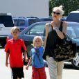 Gwen Stefani et ses fils Zuma et Kingston de sortie à Los Angeles, le 29 août 2013.
