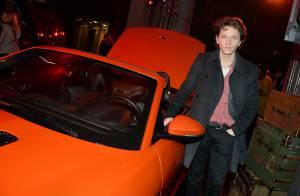 Raphaël, heureux jeune papa face à Roman Polanski et une luxueuse Jaguar