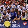 L'équipe de France de handball championne d'Europe après avoir battu le Danemark en finale (41-32) à Herning, le 26 janvier 2014