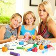 Jennie Garth avec ses deux filles Lola et Fiona Facinelli à Los Angeles, le 21 juillet 2013.