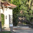 L'ex-villa de Khloe Kardashian et Lamar Odom dans le quartier, achetée par Kaley Cuoco pour la somme de 5 499 000 dollars.