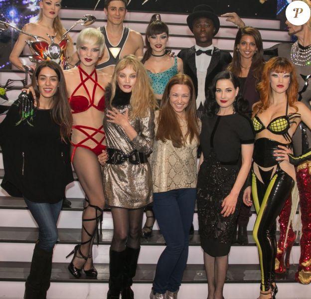 Sofia Essaïdi, Arielle Dombasle, Natasha St-Pier, Dita von Teese et TAL dans les coulisses du spectacle Mugler Follies au Comédia. Janvier 2014.
