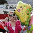 Ashley Greene fait ses courses à Studio City, le 7 novembre 2013.