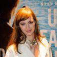 Louise Bourgoin très belle lors de la première du film Un Beau Dimanche à Paris, le 3 février 2014.