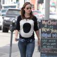 Olivia Wilde enceinte fait du shopping chez American Apparel à West Hollywood, le 4 février 2014