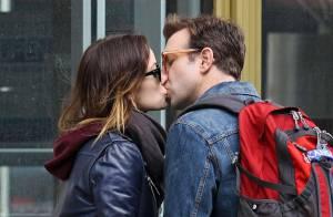 Olivia Wilde, enceinte : Son baiser passionné à son fiancé Jason Sudeikis