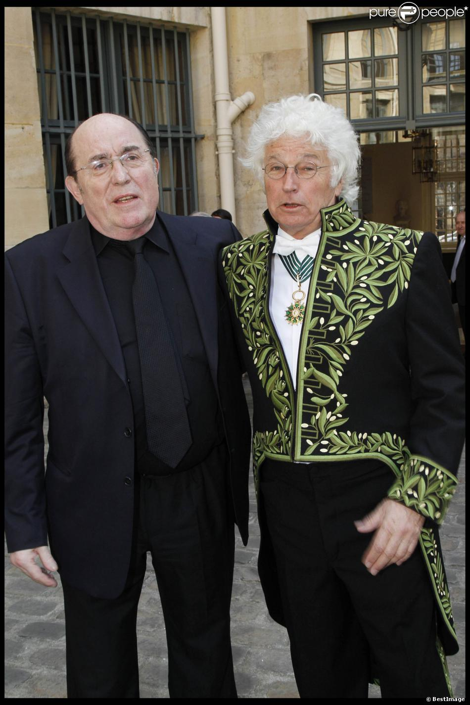 Le dessinateur Philippe Druillet et Jean-Jacques Annaud à l'Académie des Beaux-Arts à Paris le 28 mars 2012.