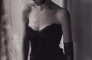 PHOTOS : Claudia Schiffer, magnifique pour Chanel !