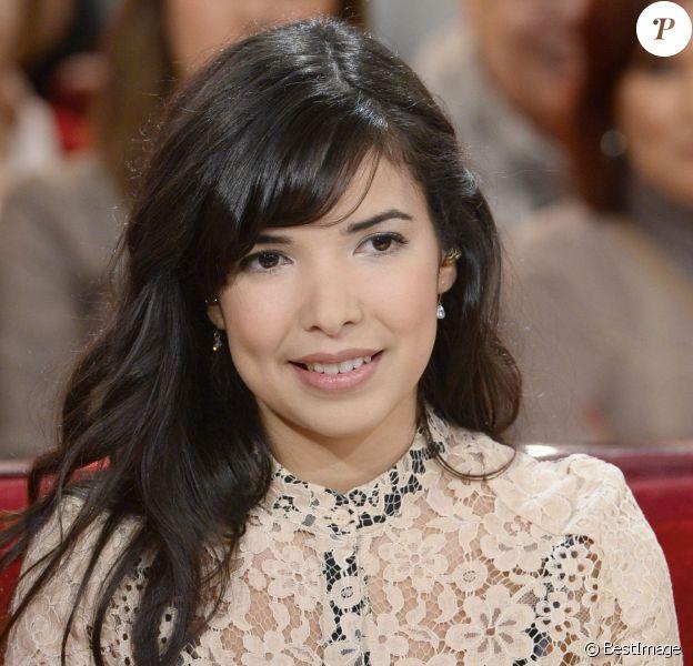 La chanteuse Indila, dans Vivement Dimanche, le mercredi 15 janvier 2014
