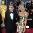 George Clooney et Stacy Keibler lors des Oscars en 2012.