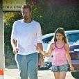 Chris Martin et sa fille Apple à Malibu, Los Angeles, le 25 janvier 2014.