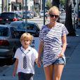 Gwyneth Paltrow et son fils Moses à Los Angeles, le 15 septembre 2013.