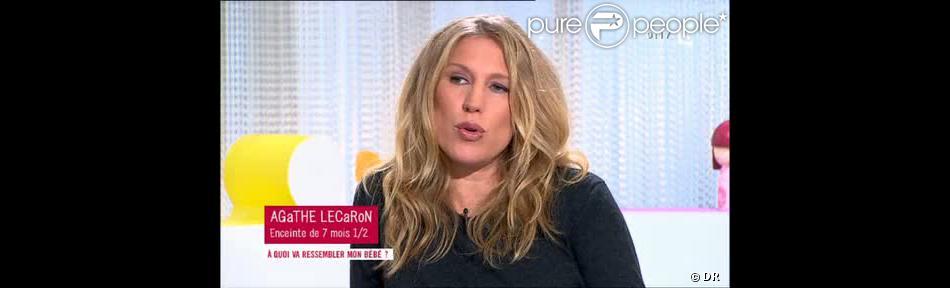 Agathe Lecaron enceinte de sept mois dans Les Maternelles sur France 5