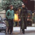 Mick Jagger et L'Wren Scott se promènent dans les rues de Paris, le 24 septembre 2001.