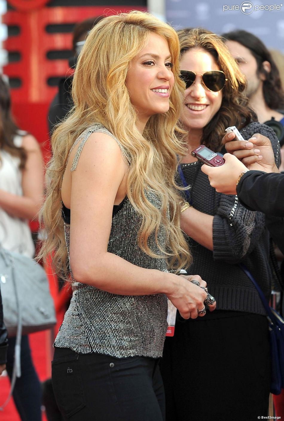 Shakira diva rock et sexy m me en solo la bombe latine - Diva futura shakyra ...