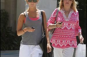 PHOTOS : Ashley Tisdale et sa maman, tout pour être belles !