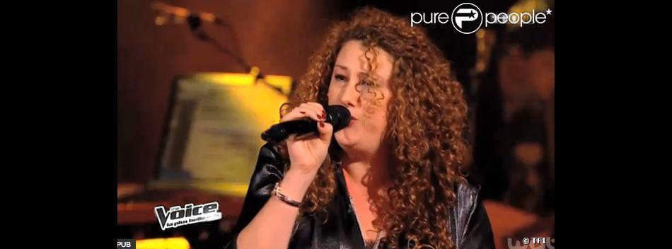Emma Shaka, dans The Voice 3 sur TF1 le 8 mars 2014.