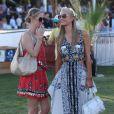 Paris Hilton, Nicky Hilton lors du 1er jour du Festival de Coachella à Indio, le 11 avril 2014.