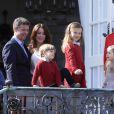 Frederik et Mary de Danemark avec leurs enfants Christian, Isabella et les jumeaux Vincent et Joséphine. La famille royale de Danemark fêtait les 74 ans de la reine Margrethe II au château de Marselisborg, à Aarhus, le 16 avril 2014.
