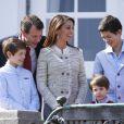 Le prince Joachim et la princesse Marie avec leurs garçons, Felix, Henrik et Nikolai. La famille royale de Danemark fêtait les 74 ans de la reine Margrethe II au château de Marselisborg, à Aarhus, le 16 avril 2014.