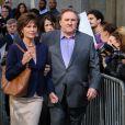 Gérard Depardieu et Jacqueline Bisset -sortant d'un tribunal - sur le tournage du film inspiré de l'affaire Dominique Strauss-Kahn à New York le 3 mai 2013.