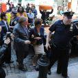 Gérard Depardieu et Jacqueline Bisset sur le tournage du film inspiré du scandale Dominique Strauss-Kahn à New York, le 25 avril 2013.