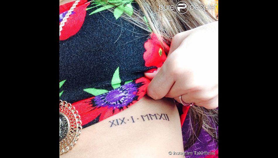 Tal dévoile son mystérieux nouveau tatouage sur son compte Instagram.