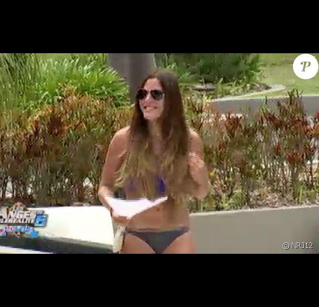 """Anaïs se repose près de la piscine - """"Les Anges de la télé-réalité 6"""" sur NRJ12. Episode du jeudi 24 avril 2014"""
