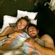 James Franco : Au lit avec Keegan Allen, charmeur face à Emma Roberts