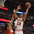 Joakim Noah lors du second match de playoffs face aux Washington Wizards au United Center de Chicago le 22 avril 2014