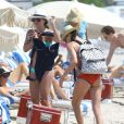 Katie Cassidy quitte une plage de Miami après y avoir passé quelques heures. Le 29 avril 2014.